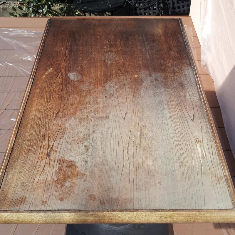 飲食店のテーブル補修