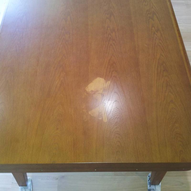 テーブルのキズ補修