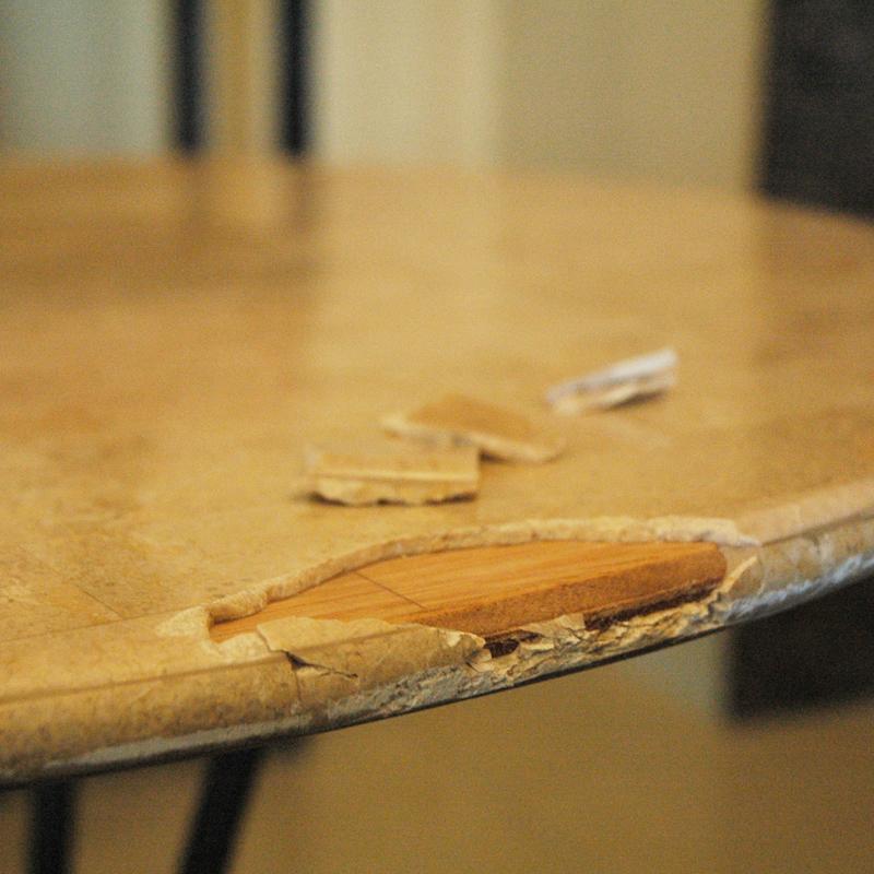 石テーブル 割れ