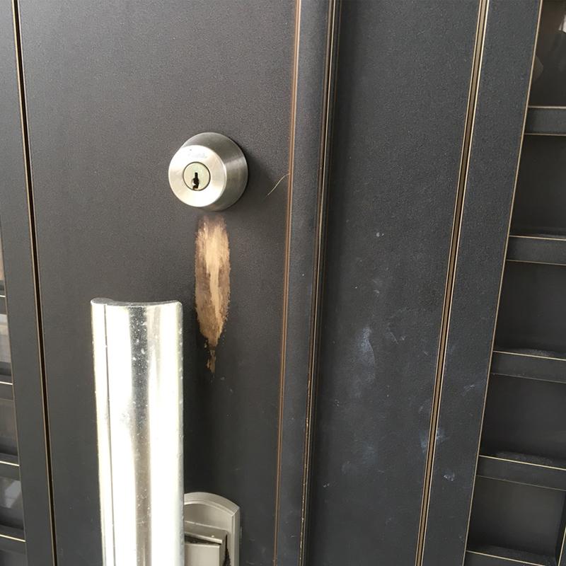 玄関扉ドアの塗装面のハゲ補修事例