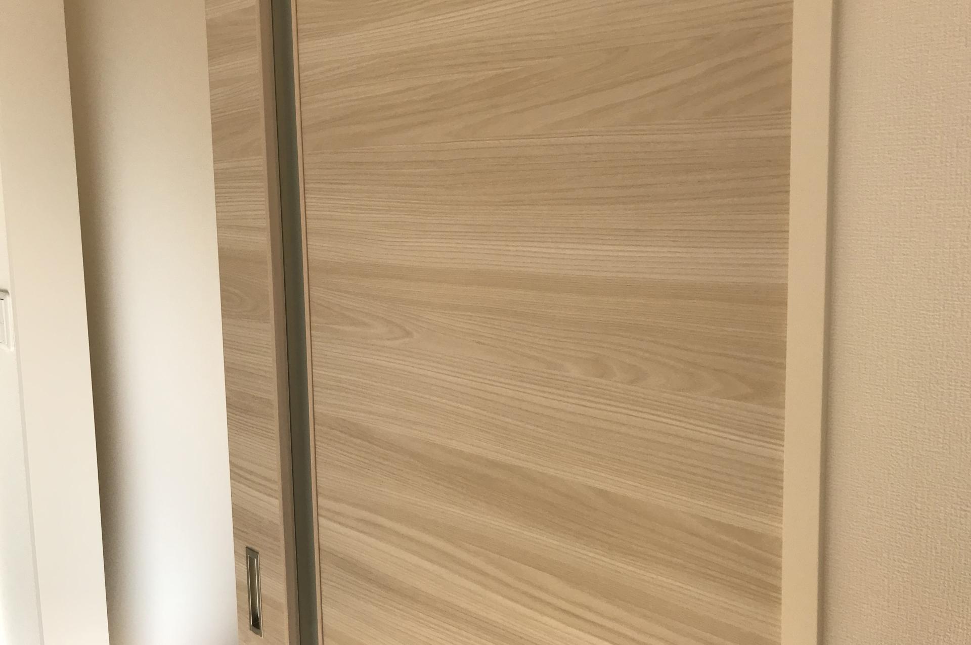 室内ドアの補修
