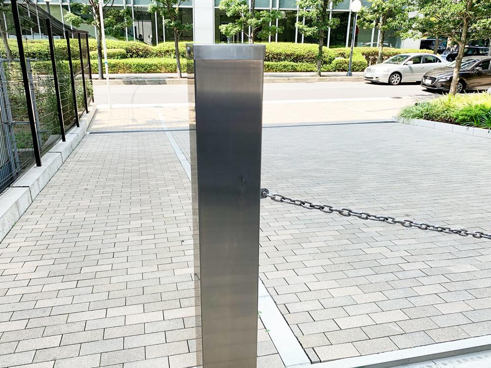駐車場ゲートのステンレス補修前全体