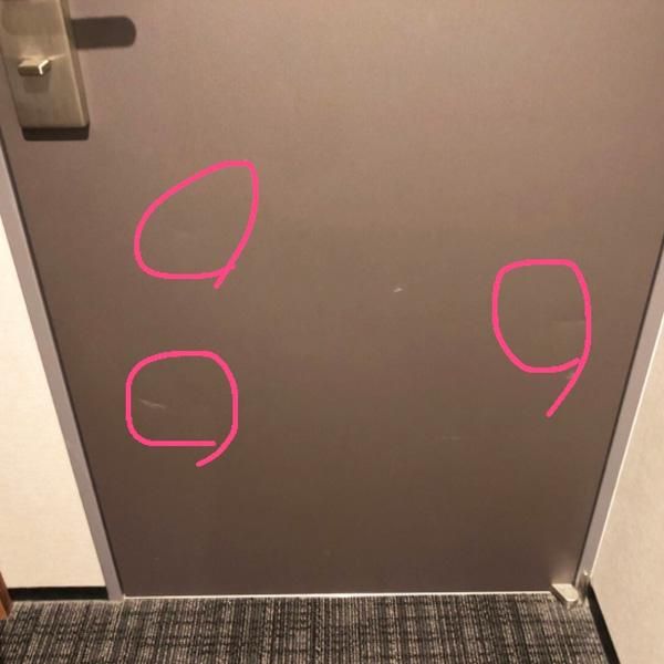 ホテルの客室扉の補修