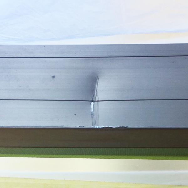 アルミサッシの凹み補修