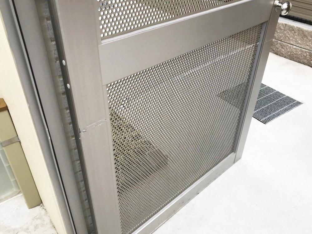 スチール扉のキズリペア補修-作業前