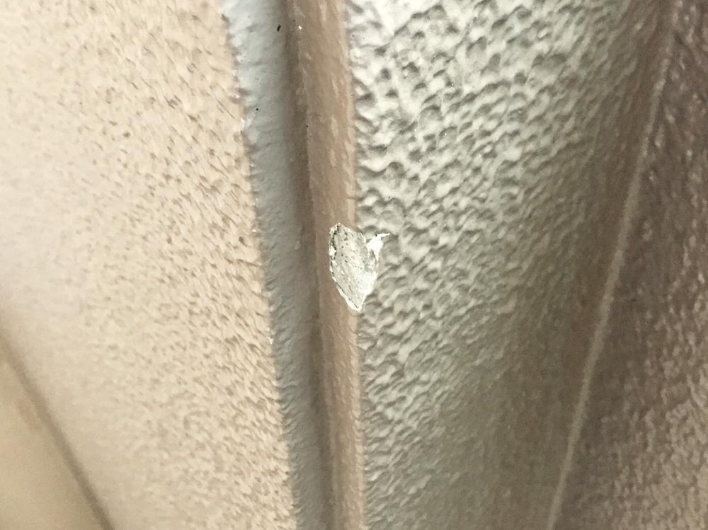壁の角欠け-補修前