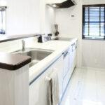 キッチン天板の欠け・ひび割れは補修で直す。その事例と費用について