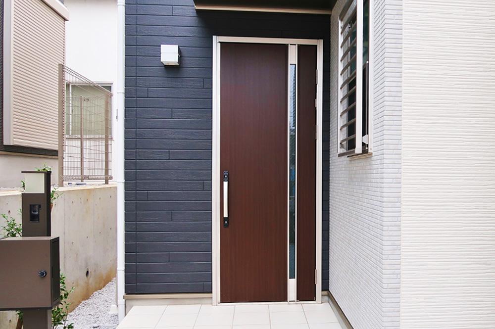 玄関ドアリメイク