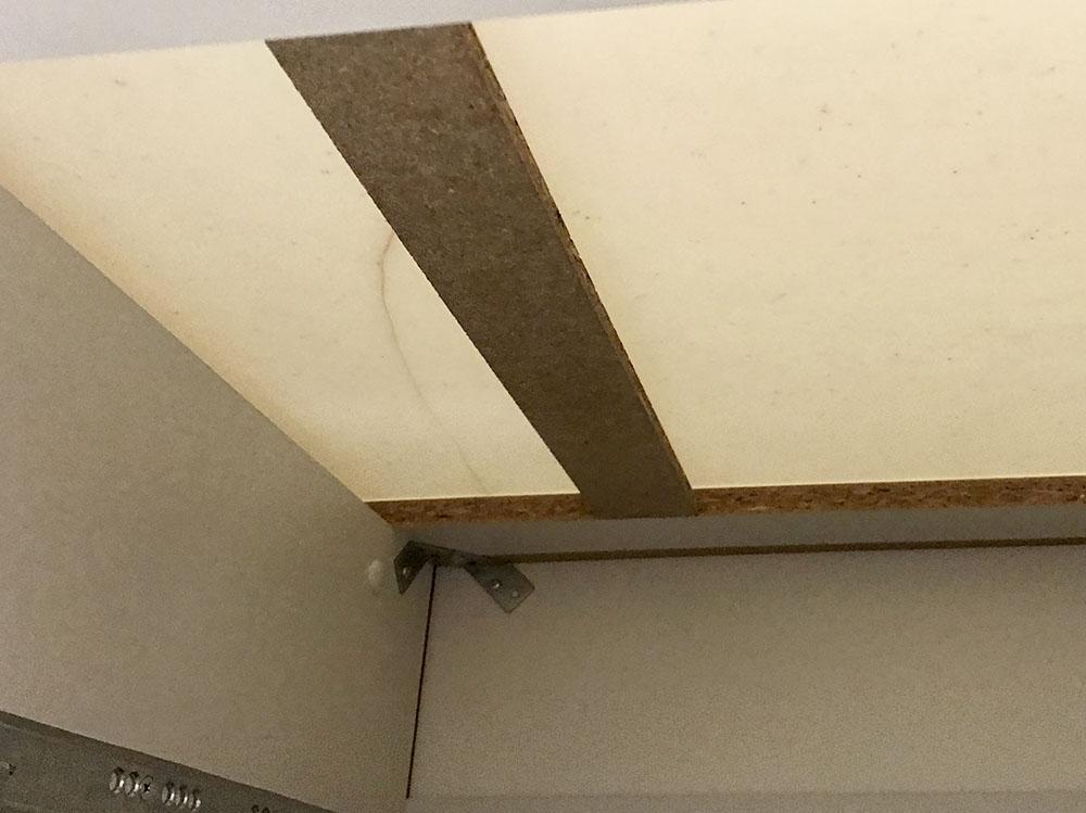 キッチン天板 裏側補修前